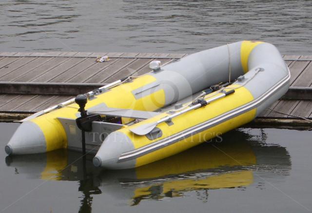 アキレス製インフレータブルゴムボート